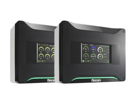 Два компьютера для контроля микроклимата в грибной комнате.