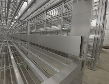 Regały aluminiowe do uprawy pieczarek (zbliżenie)
