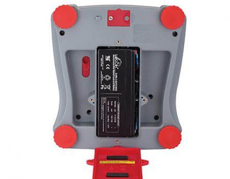 Spód wagi do pieczarek VALOR 2000 z widocznym akumulatorem